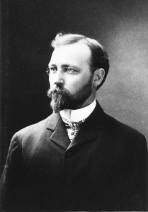 Formal portrait of Elmer S. Riggs ca. 1901.
